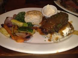 Claim jumper food