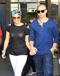 Jennifer Lopez Suffers Wardrobe Malfunction Date In New York