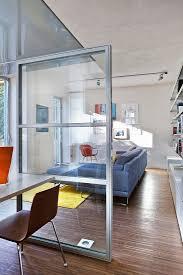 offener wohnraum mit halbhoher bild kaufen 12980096