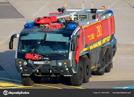 100 Airport Fire Truck Crashtender Airport Fire Truck Stock Editorial Photo FotoVDW