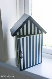 Beach Hut Themed Bathroom Accessories by Thrifty U0026 Eco Friendly Accessories For A Nautical Bathroom Design