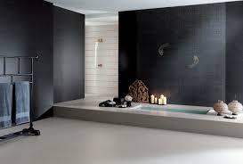 badezimmerfliesen schwarz fliesen schwarz für badezimmer