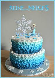 Frozen Elsa Ruffle Cake Tuto Available Httppartyummy cms Gateau Elsa Reine Des Neiges Frozen Cake on Cake