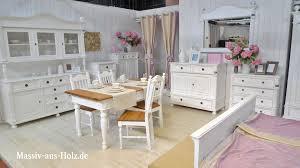 wohnen mit charme weißer landhausmöbel genau das richtige