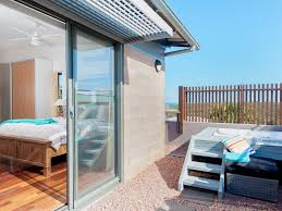100 The Deck House House 2226 One Mile Close Holiday Townhouse Boat Harbour