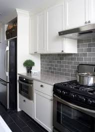 White Cabinets Dark Countertop Backsplash by Best 25 Gray Quartz Countertops Ideas On Pinterest Grey