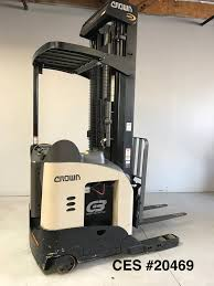 CES #20469 2012 Crown RR5725-35 Reach Forklift 270