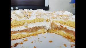 himmlische rhabarber torte mit baiser mandelblättchen und sahne