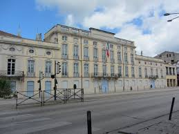 chambre d hote macon découverte de la ville de mâcon entre le beaujolais et la