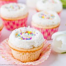 Say goodbye to dry and boring vanilla cupcakes and HELLO to these supremely moist and