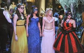 Pll Halloween Special Season 3 by The 12 Best Halloween Costumes From Pretty Little Liars Ok Magazine