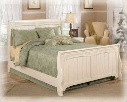 Full Sleigh Bed by Best 25 Beach Style Sleigh Beds Ideas On Pinterest Classic