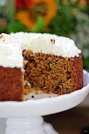 möhrenkuchen mit walnüssen und frischkäse topping