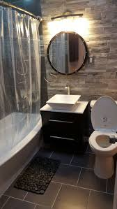 Guest Bathroom Decor Ideas Pinterest by 1000 Ideas About Small Bathroom Makeovers On Pinterest Small Small