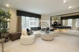 wohnzimmer mit verspiegelten wänden bilder myloview