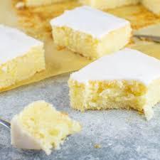 einfacher zitronen blechkuchen mit zuckerguss vegan