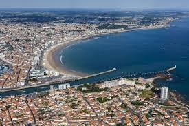 travel guide les sables d olonne the michelin green guide