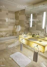 öse luxusbadezimmer stockfoto und mehr bilder badewanne