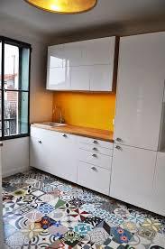 carreaux ciment cuisine cuisine carreaux ciment 12 photos de cuisines tendance côté maison