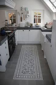 tapis pour cuisine tapis de cuisine grande longueur idées de décoration capreol us