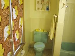 Gray And Yellow Bathroom Decor Ideas by Yellow Tile Bathroom Decorating Ideas U2013 Home Design And Decorating