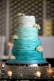 You can pick up total Tiffany blue cake or bination with white gold or even black colors Pay your attention to contrasting cake décor details like
