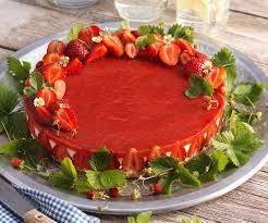 no bake topfen frischkäsetorte mit erdbeeren