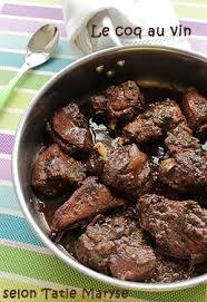 cuisiner le coq le coq au vin à la saveur bien relevée
