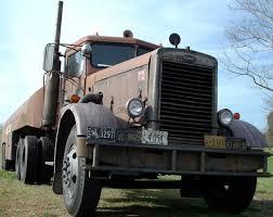 Un Camion Duel Est Un Peterbilt 281 1955. C'est Un Camion De Film De ...