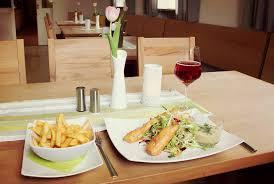 zeiler esszimmer restaurant mit biergarten in zeil hasfood