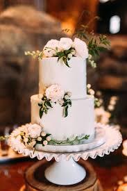 Classic Wedding Cake With Garden Flowers Weddings Weddingideas Weddingcake