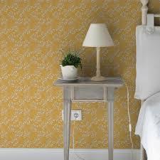 gelbe tapete blüten dolden mit grafischer eleganz angepasst an farrow and wandfarben