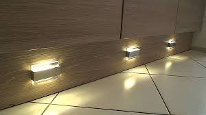 spot led cuisine led plinthe cuisine deux spots led éclairage plinthe hd