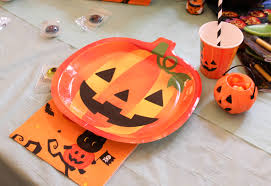 Awesome Pumpkin Carvings by How To Host An Awesome Pumpkin Carving Party For Kids