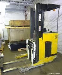 100 Yale Lift Trucks Used StandUp Forklift Model NR040ADNS24TE