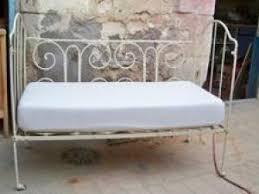 canapé lit fer forgé il est joli ce lit bébé certes pas très sur lit bébé ou
