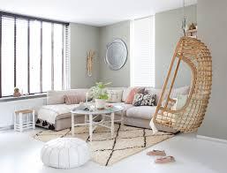 hängesessel im wohnzimmer im boho stil buy image