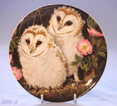 Wedgwood Owl Display Plate 'Barn Owl Chicks' By Dick Twinney ... Winter Owl Paperweight Royal Crown Derby Collection Rspb Shop A Large Prestige Edition Paperweight Long Eared The Barn Gift 91papbox62729_07jpg Lot 250 Printed Mark Colctables Exclusive Collections Robin Happy Birthday Bear A Beswick Owl 1046 2 Porcelachina Pottery Porcelain Glass