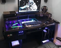pc gamer bureau bureau pc design avec gaming pc custom desk build log