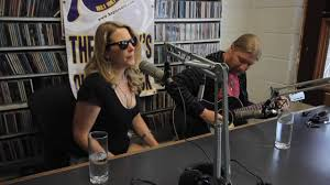 Great Interview/acoustic Performance With Derek Trucks And Susan ... Pin By Liz Smith On Warren Derek And Allmans Pinterest Great Interviewacoustic Performance With Trucks Susan Tedeschi Band Tiny Desk Concert Npr Playing Layla Youtube In Chicago Grateful Web Allman All Star Always In Demand Blurt Magazine Filederek Playingjpg Wikimedia Commons Dave Michaels Talks Wext Live At Batschkapp Frankfurt Germany 43 Leon Russel Video Directing Tips Interview With Humbly Carrying The Torch