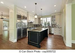 küche mit schwarzer insel küche in einem neuen bauhaus mit