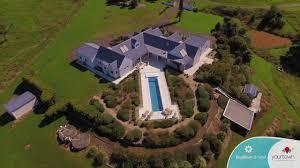 100 Maleny House WIN Sunshine Coast Hinterland OR Mornington Peninsula Yourtown