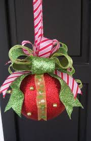 Whoville Christmas Tree by 210 Best Christmas Ideas Grinch Whoville Images On Pinterest