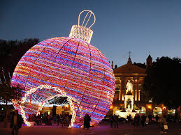 Where to See the World s Best Christmas Lights s Condé