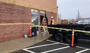 100 Union Truck Driving School Driver Crashes Into Rogue Credit In Eagle Point