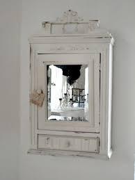 alter uriger spiegelschrank wandschrank shabby möbel