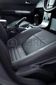 intérieur d une voiture moderne tableau de bord avec le levier de