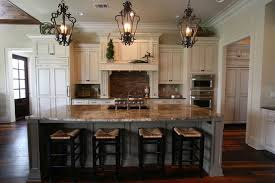 Traditional Kitchen Design With Custom Mouser Cabinetry And Butlers Pantry