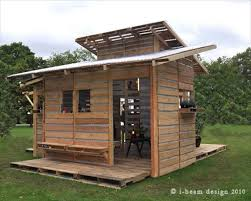 The Pallet House Is Simply And Provides Great Flexibility In Terms Of Configuration Each Family Could Build A Based On Their Needs Size