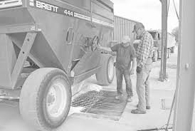 100 John Veriha Trucking Perfect Growing Season Results In Recordsetting Harvest